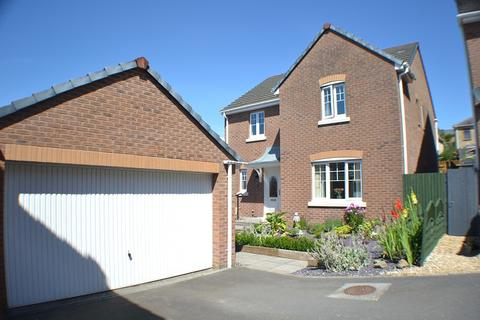 4 bedroom detached house for sale - Penrhiwtyn Drive, Neath, Neath Port Talbot. SA11 2JF