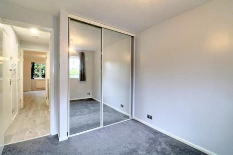 1 bedroom flat for sale - Marina Approach, Hayes, Greater London, UB4