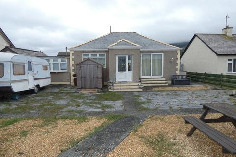3 bedroom bungalow for sale - Greystones, Penrhyn Drive North, Fairbourne LL38 2DX