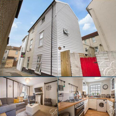 2 bedroom semi-detached house to rent - Rose Cottages, Pepys Street, Harwich, Essex, CO12