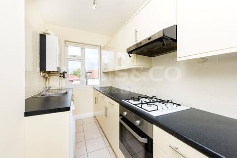 2 bedroom apartment to rent - Alberon Gardens, London, NW11