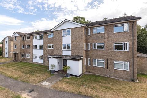 2 bedroom apartment for sale - Conifers, Weybridge, KT13
