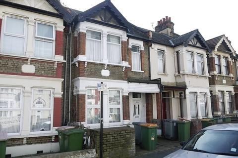 3 bedroom maisonette to rent - Burges Road, London, Greater London. E6