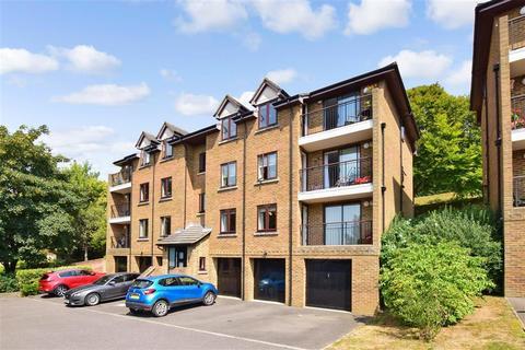 2 bedroom flat for sale - Taswell Street, Dover, Kent