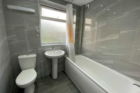 4 bedroom semi-detached house to rent - Edgar Road, WEST DRAYTON, Middlesex