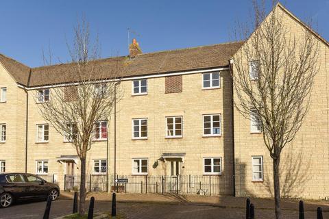 4 bedroom terraced house for sale - Oakmead,  Madley Park,  Witney,  OX28