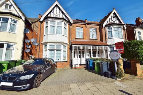 1 bedroom ground floor flat to rent - Hindes Road, Harrow, Middlesex