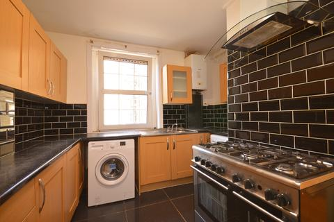 3 bedroom flat to rent - Electric House, Mile End, London, E3