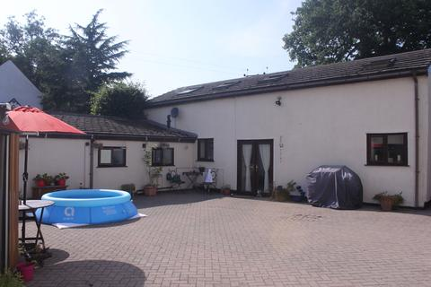 2 bedroom barn conversion for sale - Crabmill Lane, Nr Wythall