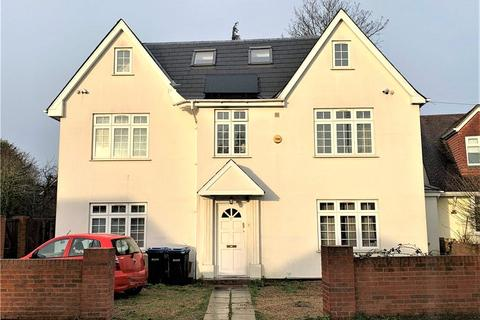 1 bedroom house share to rent - Pooley Green Road, Egham, Surrey, TW20