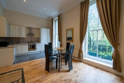 1 bedroom flat - Porchester Square, Bayswater W2