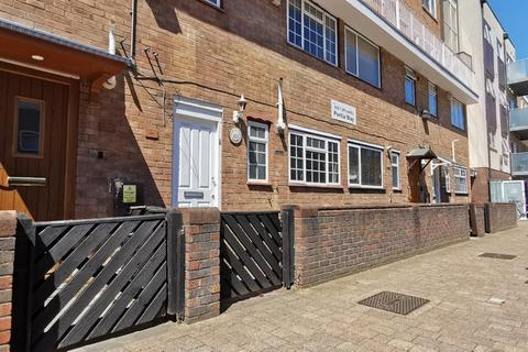 3 bedroom maisonette for sale - Portia Way, London