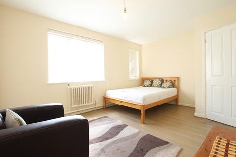 2 bedroom flat to rent - Byron Road, Harrow