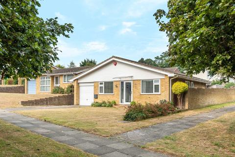 3 bedroom detached bungalow for sale - Colburn Road, Broadstairs