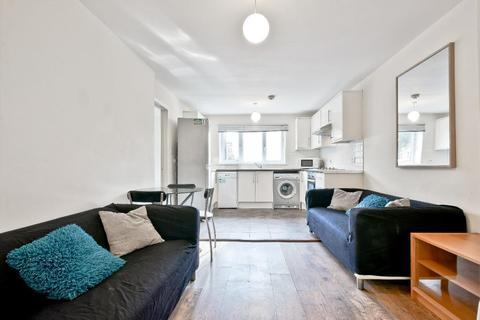 3 bedroom flat to rent - Ambassador Square, Island Gardens / Greenwish, London, Flat, E14 9UX