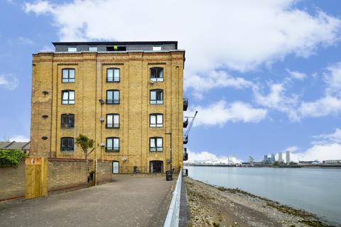 2 bedroom flat for sale - Cubitt Wharf, Canary Wharf E14