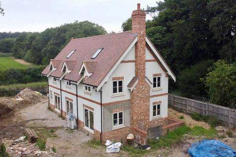 6 bedroom property with land for sale - Aylesbury Road, Great Missenden