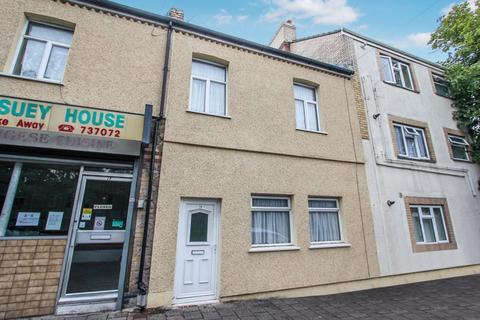 3 bedroom terraced house - Barry Road, Barry