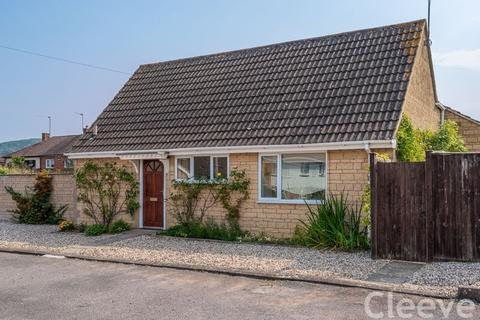 3 bedroom detached bungalow for sale - Barkers Leys, Bishops Cleeve