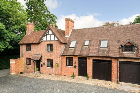 5 bedroom mews for sale - Stable Yard, Mentmore