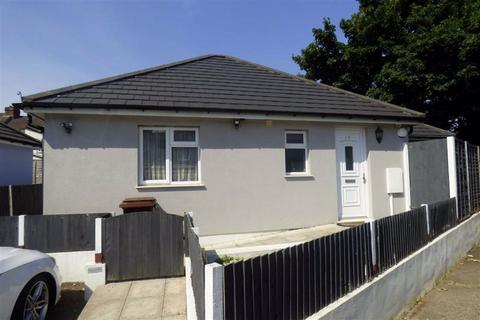 2 bedroom detached bungalow for sale - St Johns Road, Gillingham