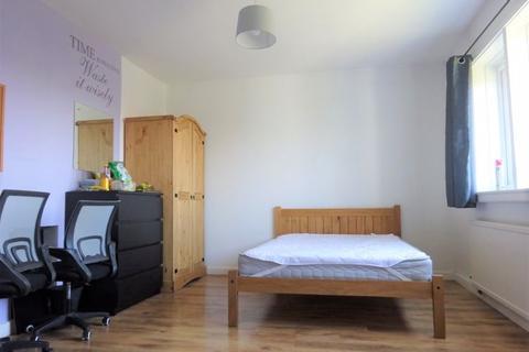 5 bedroom property to rent - Crabtree Avenue, Brighton