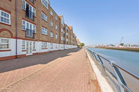 2 bedroom flat for sale - Anchor Close, Shoreham-By-Sea