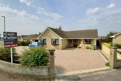 3 bedroom bungalow for sale - Berry Hill Crescent, Cirencester