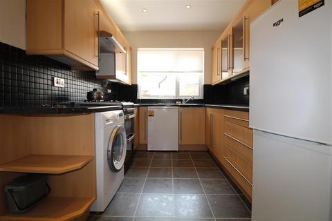 2 bedroom terraced house to rent - Craddock Road, Enfield