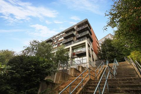 2 bedroom flat for sale - 8 Clavering Place, Newcastle Upon Tyne