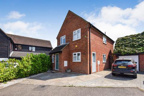 3 bedroom link detached house for sale - Troubridge Close, South Woodham Ferrers