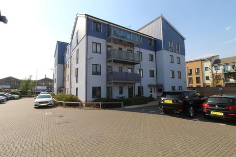 2 bedroom flat for sale - Anglia Way, South Ockendon