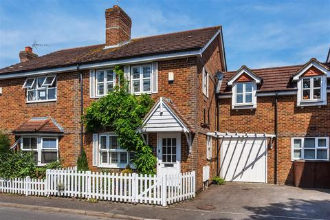 3 bedroom semi-detached house for sale - Beales Lane, Weybridge