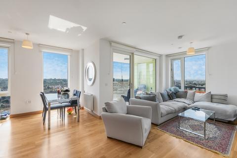 2 bedroom flat to rent - Telcon Way London SE10