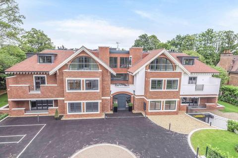 3 bedroom ground floor flat for sale - Penn Road, Beaconsfield, HP9