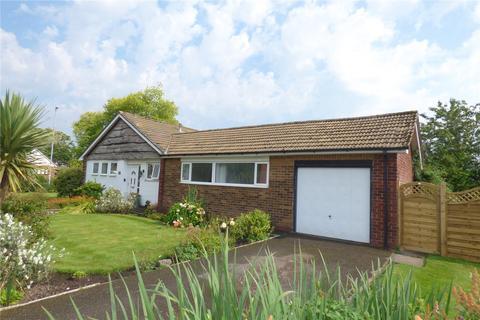 3 bedroom detached bungalow for sale - Evesham Road, Alkrington, Middleton, Manchester, M24