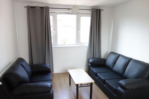 4 bedroom maisonette to rent - Wren House, Gernon Road E3