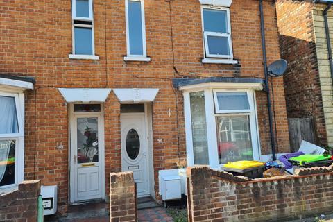 3 bedroom semi-detached house to rent - Marlborough Road, Bedford MK40