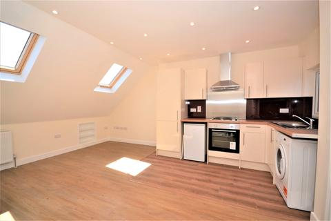 1 bedroom flat to rent - Hide Road, Harrow HA1