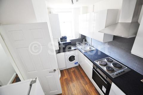 2 bedroom flat to rent - Bracken House, Devons Road, London, E3