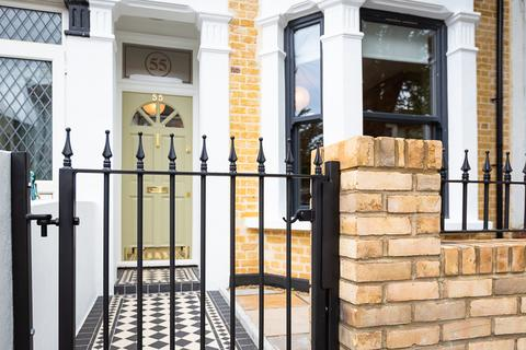 3 bedroom house for sale - St. Georges Road, Leyton, E10