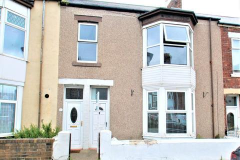 2 bedroom flat - George Scott Street, South Shields