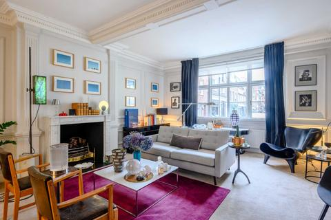 4 bedroom flat to rent - Wigmore Place, Marylebone
