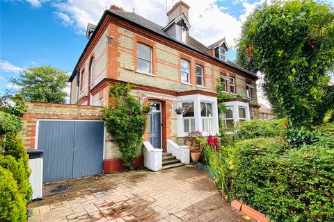 5 bedroom semi-detached house for sale - Penton Road, Staines-upon-Thames, Surrey, TW18