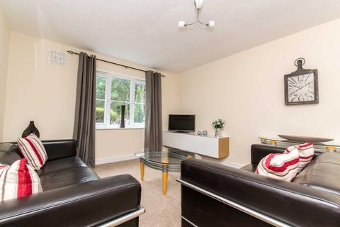1 bedroom apartment - Town Centre, West Green, Crawley