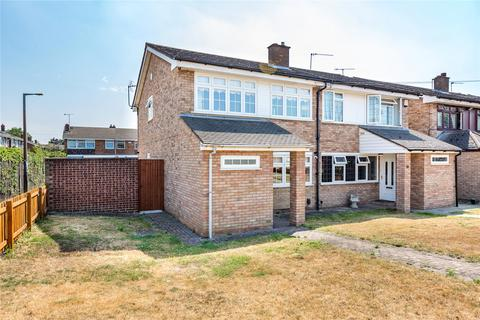 4 bedroom semi-detached house for sale - Gull Walk, Hornchurch, RM12