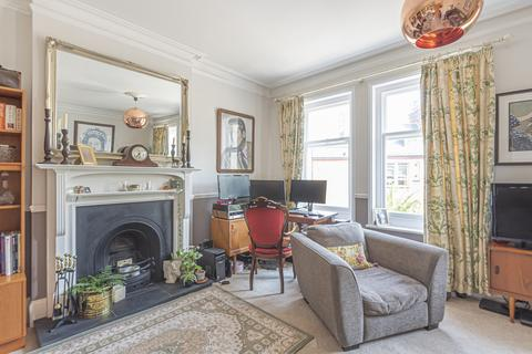 2 bedroom maisonette for sale - Keymer Road London SW2