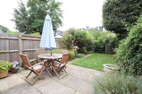 5 bedroom house to rent - Coleridge Road, London, N8