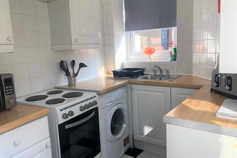 2 bedroom terraced house to rent - Cecil Street , Blackpool FY1