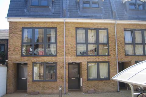 4 bedroom townhouse to rent - Wedmore Street N19